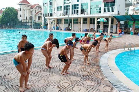 Phòng tránh chuột rút khi bơi lội