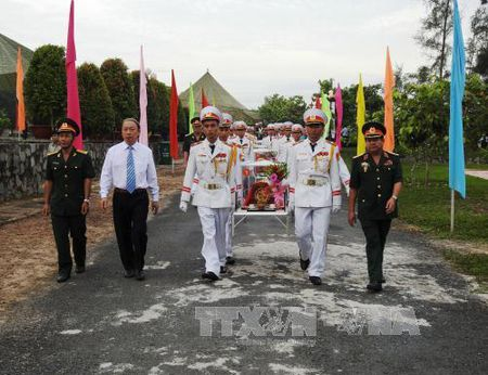 An tang hai cot quan tinh nguyen Viet Nam hy sinh tai Campuchia - Anh 1