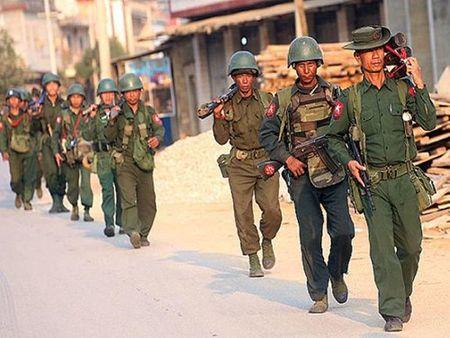Myanmar tang cuong them lu doan 6.000 quan toi bien gioi An Do - Anh 1
