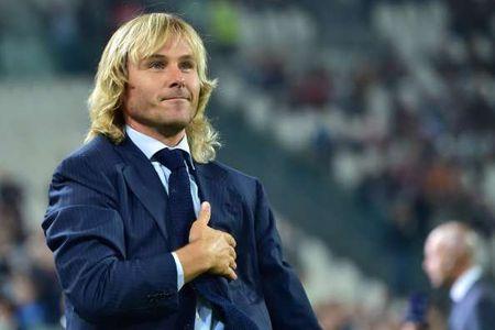 Huyen thoai Pavel Nedved nhan dac an lon tai Juventus - Anh 1