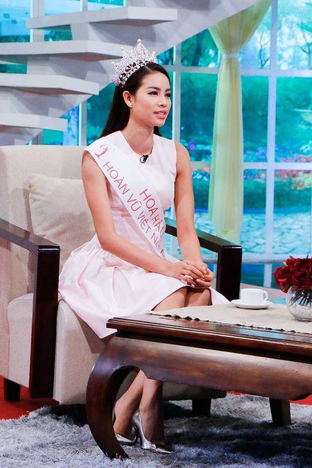 Hoa hau Pham Huong chuan bi hoc thac si - Anh 3