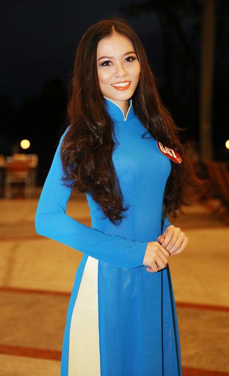 Nguoi dep sinh vien su pham eo thon dang khoe - Anh 2