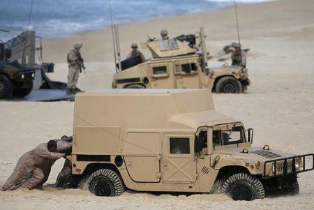 Video xe boc thep My sa lay trong cuoc tap tran lon nhat cua NATO - Anh 1