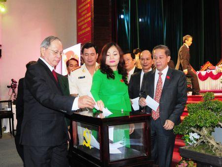Dong chi Le Truong Luu trung cu Bi thu Dang bo Thua Thien-Hue - Anh 1