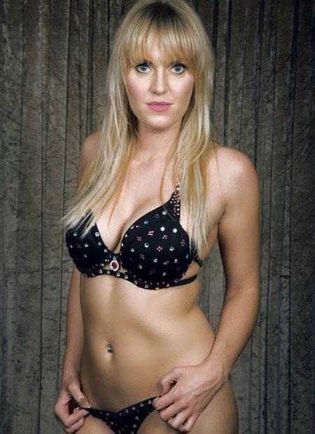 25 co gai xinh dep canh tranh ngoi Hoa hau Bikini - Anh 16