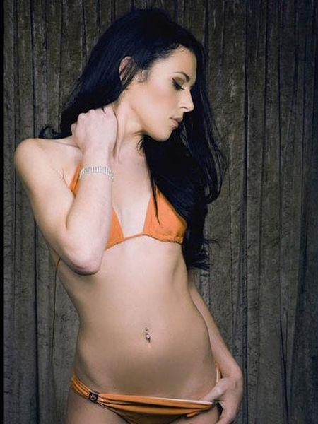 25 co gai xinh dep canh tranh ngoi Hoa hau Bikini - Anh 20