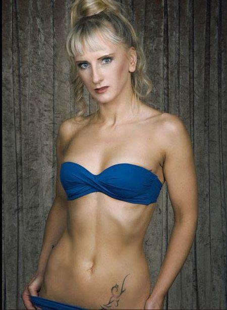 25 co gai xinh dep canh tranh ngoi Hoa hau Bikini - Anh 9
