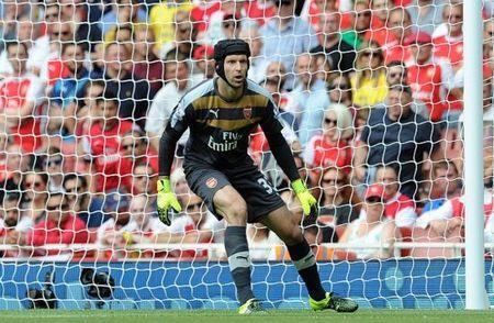 Petr Cech sap tro thanh nguoi gac den so 1 lich su Premier League - Anh 1