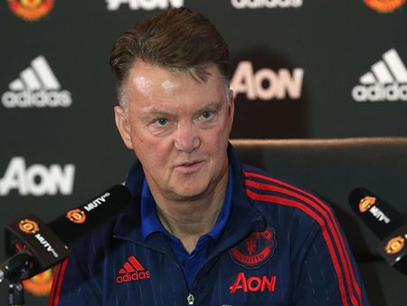 "Derby Manchester: ""Khiem ton"" kieu Van Gaal - Anh 1"
