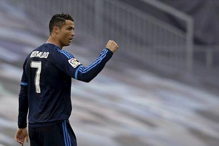Ronaldo no sung, Real thang de 10 nguoi Celta Vigo - Anh 2
