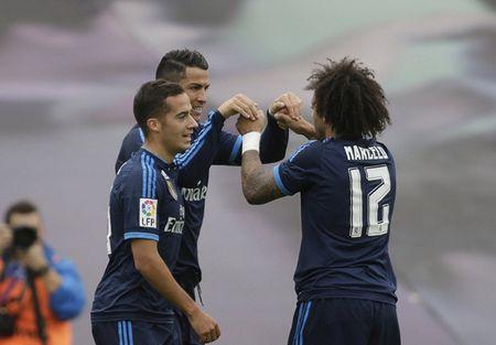Ronaldo no sung, Real thang de 10 nguoi Celta Vigo - Anh 4