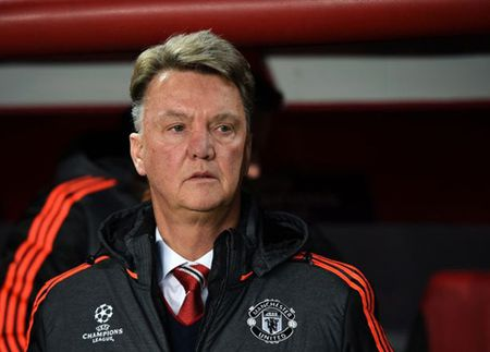 """Van Gaal, Wenger """"khoc - cuoi"""" voi le Giang sinh - Anh 1"""