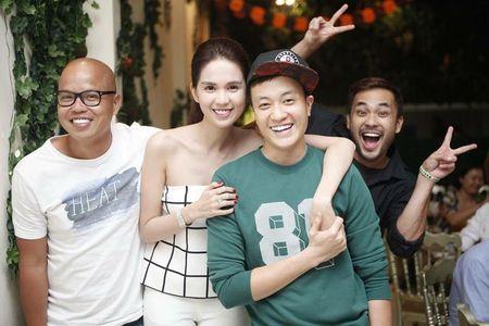 Ngoc Trinh quay het minh tai tiec dong may phim dau tay - Anh 2