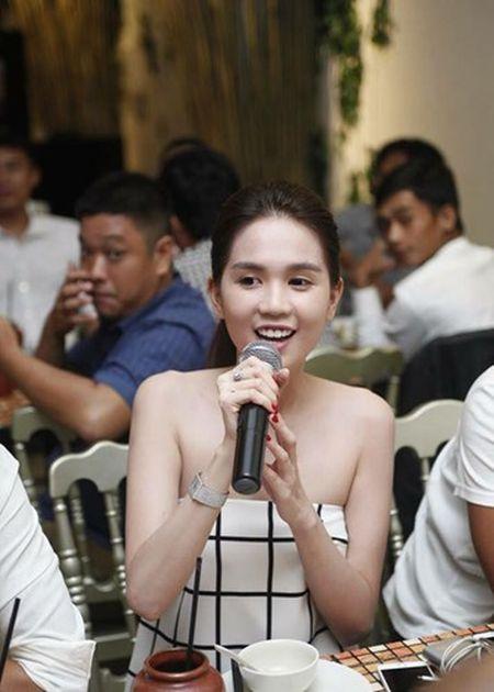 Ngoc Trinh quay het minh tai tiec dong may phim dau tay - Anh 8