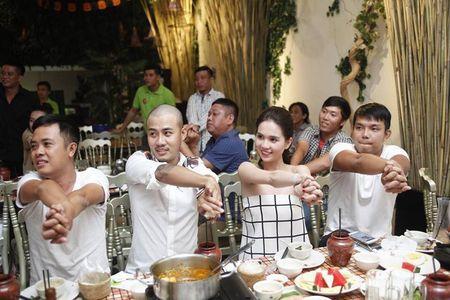 Ngoc Trinh quay het minh tai tiec dong may phim dau tay - Anh 9