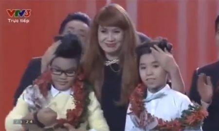 Hong Minh dang quang quan quan Giong hat Viet nhi 2015 - Anh 2