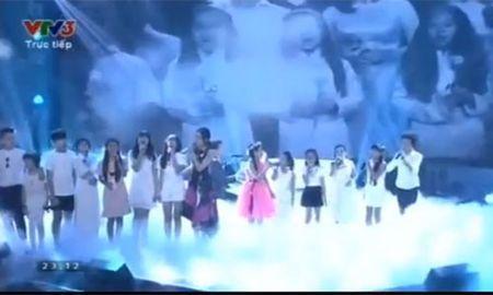 Hong Minh dang quang quan quan Giong hat Viet nhi 2015 - Anh 6