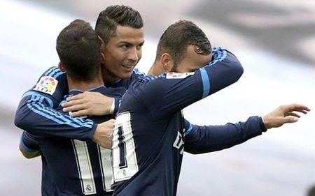 """Ronaldo giup Real Madrid giai ma """"hien tuong"""" Vigo - Anh 2"""