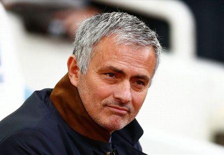 Chelsea thua tran, Mourinho va cong su tuc toi bo hop bao - Anh 1