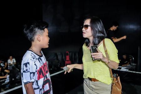 Giong hat Viet nhi 2015: Thu Minh, My Tam tich cuc luyen tap cho cac thi sinh nhi - Anh 1