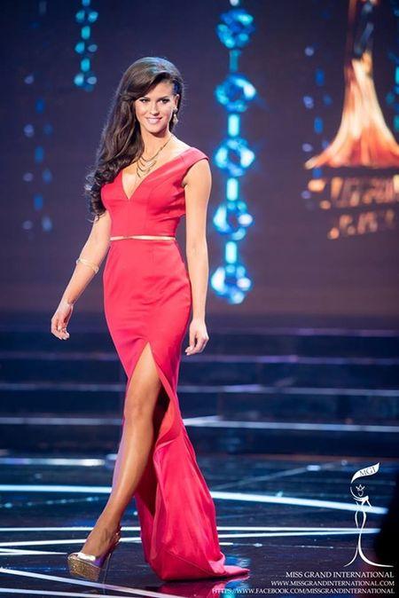 Le Quyen hoi hop cho ket qua top 20 Miss Grand International 2015 - Anh 11