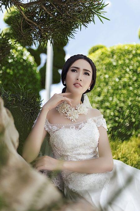 Phan Thi Mo u buon khi phai lam co dau mot minh - Anh 9