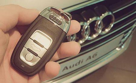 Thuy Hanh duoc chong tang xe Audi nhan 9 nam ngay cuoi - Anh 3