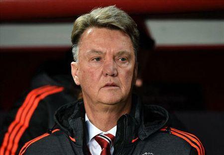 Van Gaal tu nhan MU la cua duoi so voi Manchester City - Anh 1