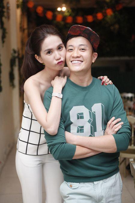 Ngoc Trinh om chat Luong Manh Hai - Anh 2