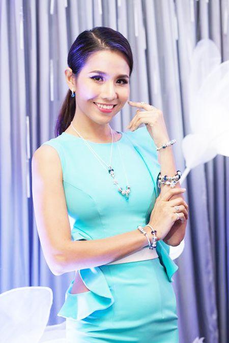 Sao Viet khoe sac voi 'Pha le tuyet mua dong' - Anh 6