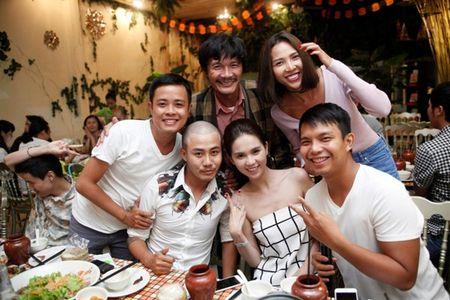 Ngoc Trinh say sua hat 'Bup be khong tinh yeu' - Anh 11
