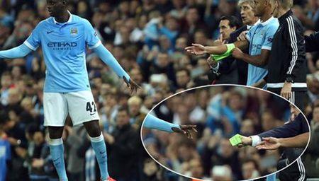 Trai lenh Pellegrini, thu quan Man City mat derby - Anh 1