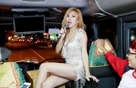 'Bo roi' Duong Khac Linh, Trang Phap di tour voi hotboy nguoi Han - Anh 1