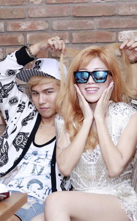 'Bo roi' Duong Khac Linh, Trang Phap di tour voi hotboy nguoi Han - Anh 9