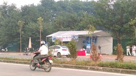 """Honda My Dinh """"ngang nhien"""" lap chot, chiem dung long duong Ham Nghi? - Anh 1"""
