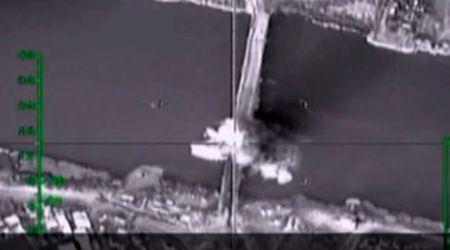 Video: Nga nem bom pha cau, chan duong tiep te cua IS - Anh 1
