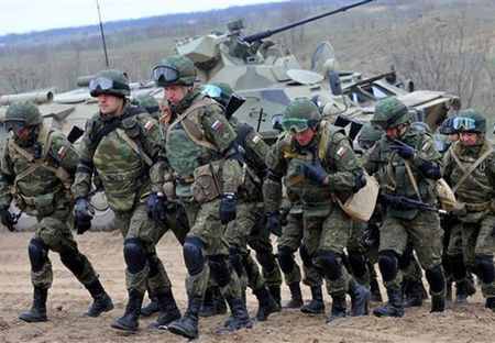 Putin doa dua bo binh vao Syria, My cuong cuong dam phan voi Nga - Anh 1