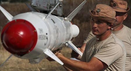 Putin doa dua bo binh vao Syria, My cuong cuong dam phan voi Nga - Anh 3