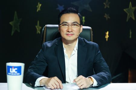 Viet Trinh khoc nhu mot dua tre ben hoang tu dien anh Chi Bao - Anh 7