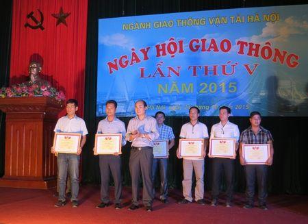CNVCLD nganh GTVT Ha Noi can di dau trong chap hanh Luat Giao thong - Anh 3
