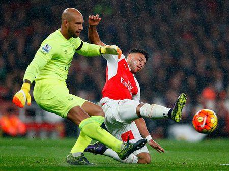 Ha Everton 2-1, Arsenal vuon len dan dau Ngoai hang Anh - Anh 2