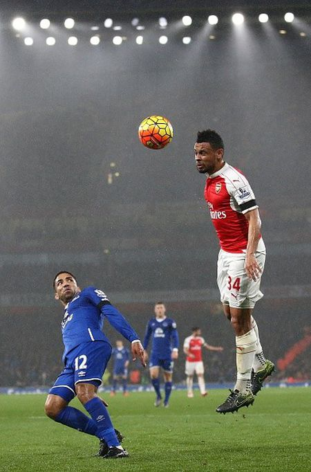 Ha Everton 2-1, Arsenal vuon len dan dau Ngoai hang Anh - Anh 5