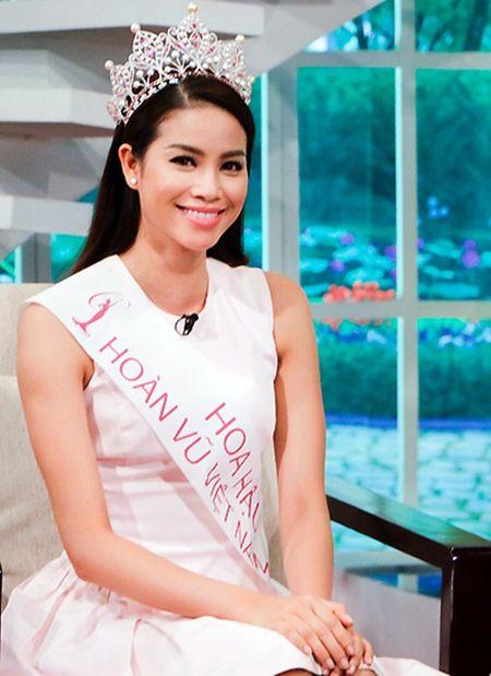 Hoa hau Pham Huong tu nhan ve diem yeu va loi song chanh choe - Anh 4