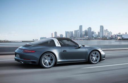 "Porsche ""chap them canh"" cho sieu xe 911 - Anh 9"