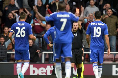 West Ham 2-1 Chelsea: Matic va Mourinho bi duoi, Chelsea lai thua - Anh 2