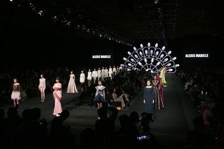 Ly Nha Ky cam on va tiet lo nhung dieu chua biet trong Lynk fashion show 2015 - Anh 5