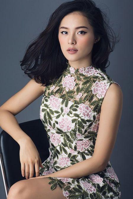 Tinh moi Cuong Dola khoe duong cong hoan hao voi vay ao sexy - Anh 8