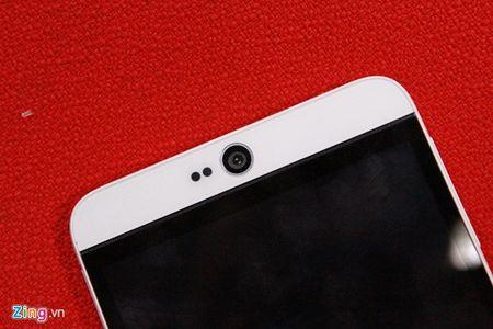 Mo hop HTC Desire 826 Dual chuyen selfie - Anh 11