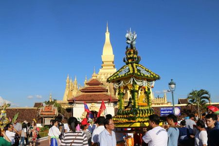 Dac sac Le ruoc thap Pha Sat Phong cua nhan dan Lao - Anh 1