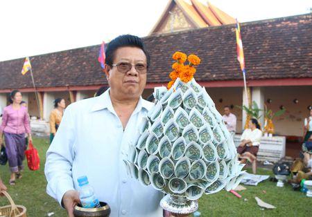 Dac sac Le ruoc thap Pha Sat Phong cua nhan dan Lao - Anh 6